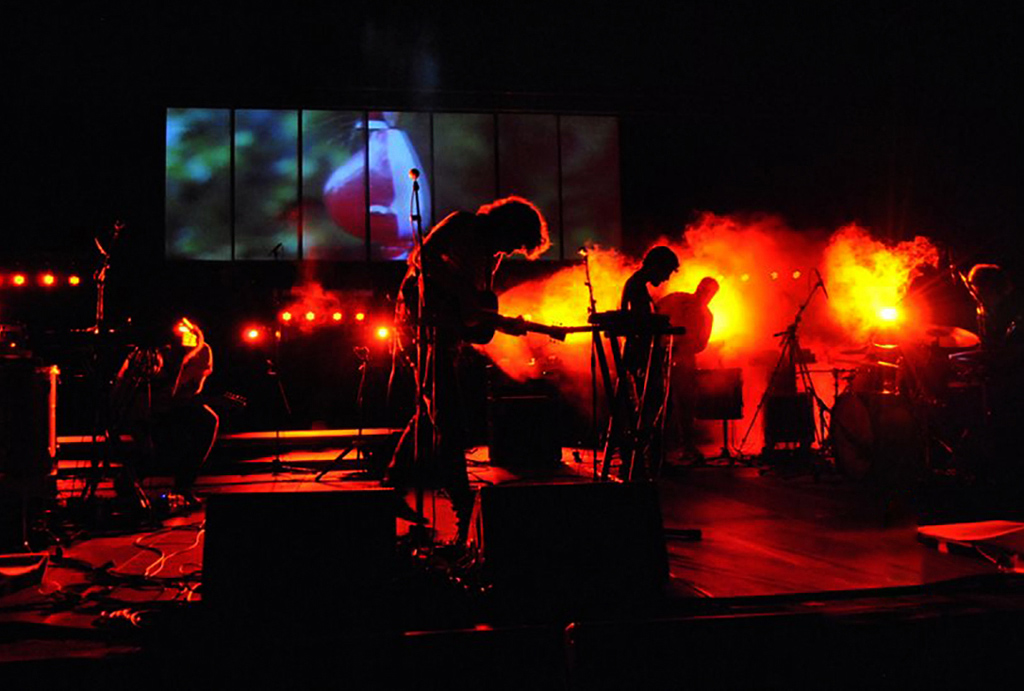 Visuales y video mapping con la banda John Berkhout.